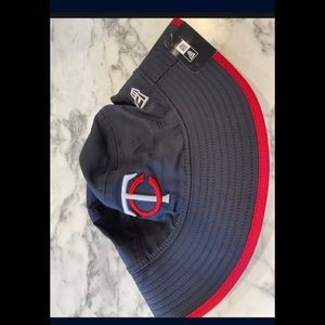 Minnesota Twins  New Era Team Bucket Hat - Blue
